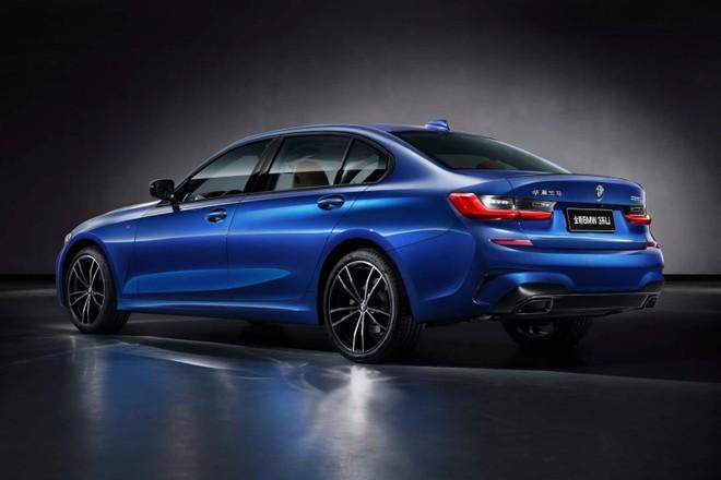 BMW 3-Series Li 2019 sở hữu chiều dài cơ sở tăng 110 mm so với bản thường