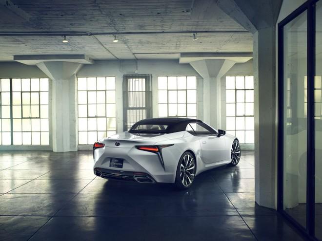 Lexus LC Convertible được trang bị mui nỉ