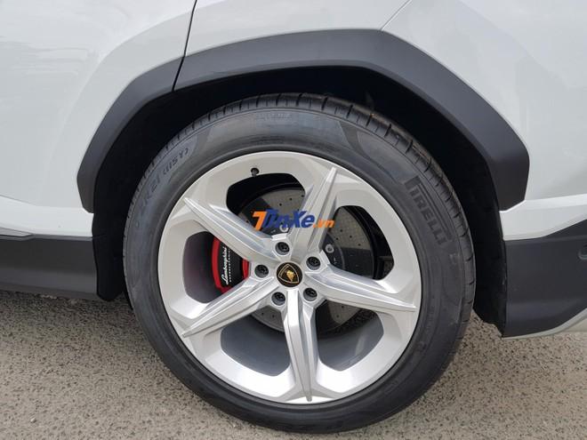 Bộ mâm theo xe Lamborghini Urus của Minh Nhựa được đánh giá có thiết kế èo uột.