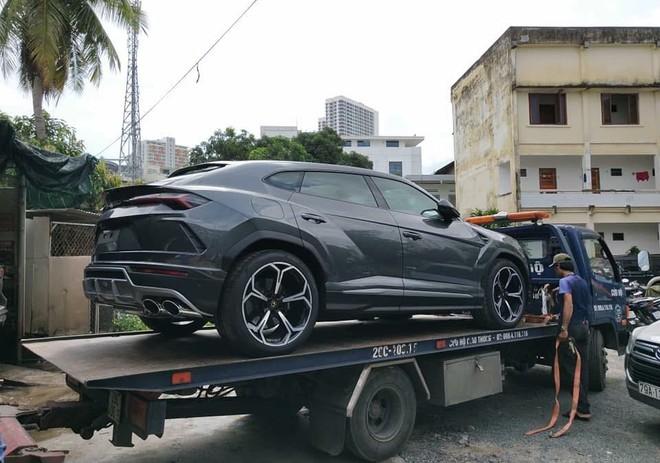 Siêu SUV Lamborghini Urus lúc mới về Nha Trang