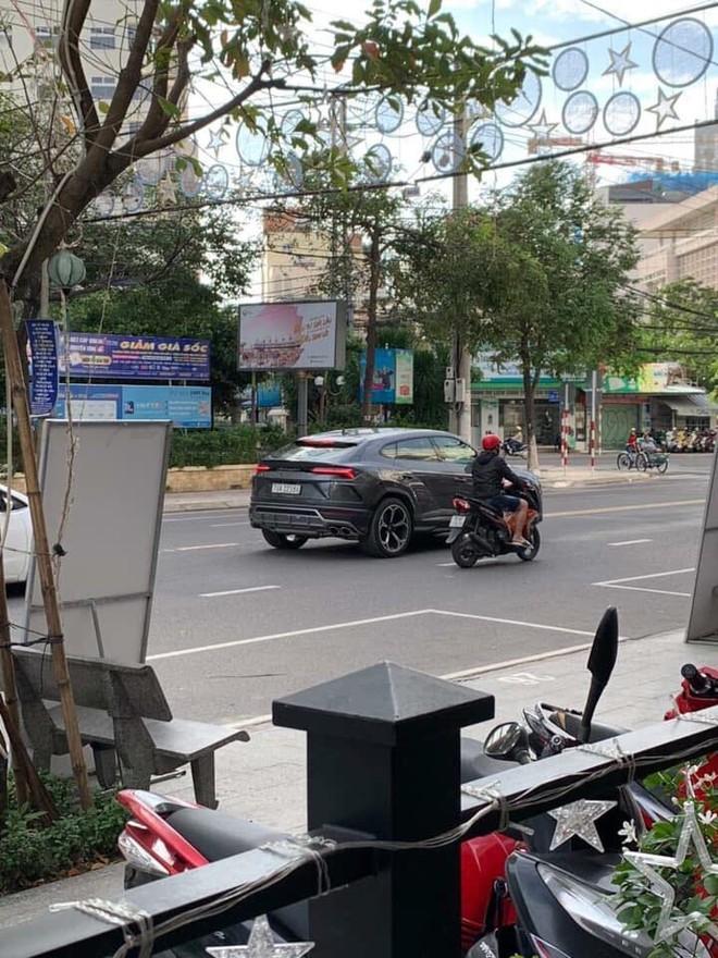 Chiếc siêu SUV Lamborghini Urus của doanh nhân Nha Trang có giá lăn bánh gần 30 tỷ đồng