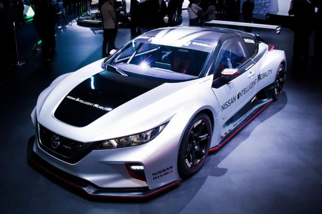 Nissan Leaf Nismo RC là mẫu xe đua điện hoàn toàn mới mẻ