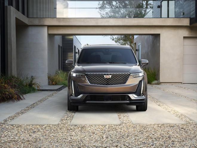 Cận cảnh thiết kế đầu xe của Cadillac XT6 2020