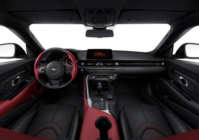Nội thất bên trong Toyota Supra 2020