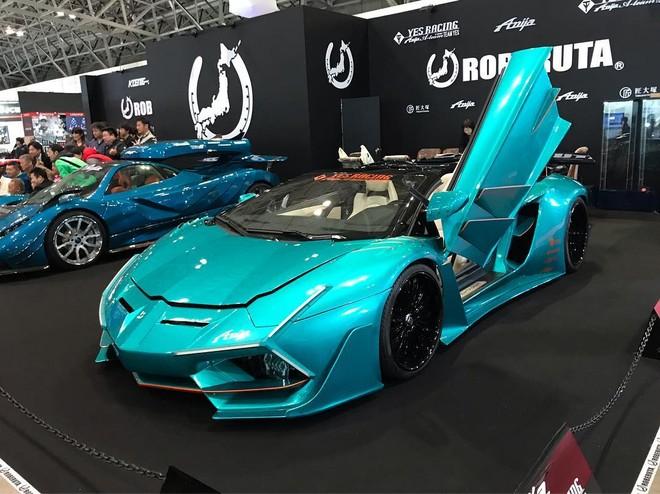 Chiếc Lamborghini Aventador Roadster độ có vẻ không được thay đổi động cơ