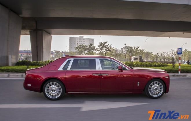 Rolls-Royce Phantom thế hệ VIII sở hữu động cơ mạnh mẽ hơn.