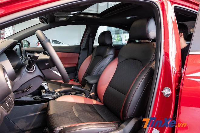 Các hàng ghế của xe có khoảng để chân khá rộng do chiều dài được cải thiện