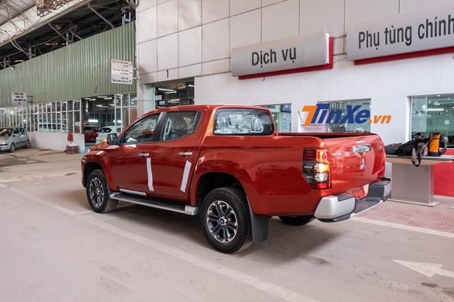 Mitsubishi Triton 2019 dài và cao hơn thế hệ cũ