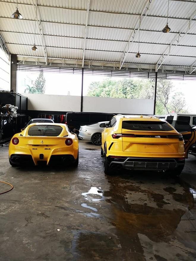 Cả 2 chiếc xe này do 1 công ty nhập khẩu tư nhân Campuchia đưa về nước