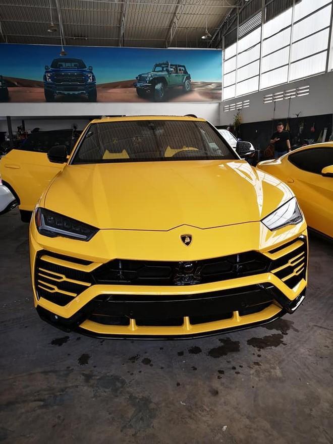 Siêu SUV Lamborghini Urus có giá bán xuất xưởng 4,6 tỷ đồng