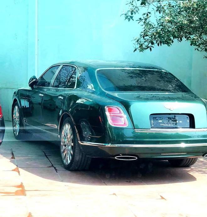 Chiếc Bentley Mulsanne thế hệ mới này có màu sơn xanh lục