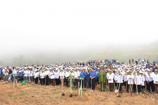 Lễ trồng cây có sự xuất hiện của nhiều lãnh đạo Đảng, Nhà nước