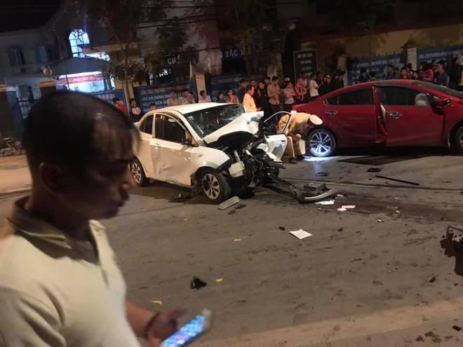 Chiếc Hyundai Grand i10 hỏng nặng sau vụ tai nạn