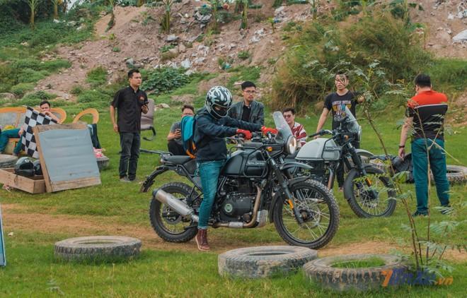 Nhiều biker tỏ ra khá lạ lẫm với mẫu Adventure đến từ Royal Enfield này.