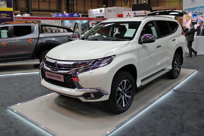 Mitsubishi Pajero Sport phiên bản 2 chỗ