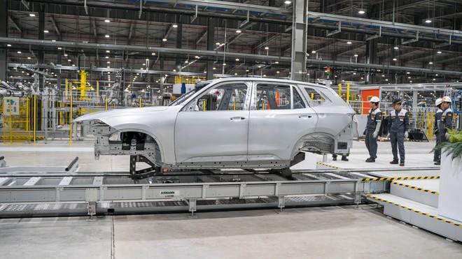 VinFast đã sản xuất xong thân vỏ xe SUV 7 chỗ LUX SA2.0