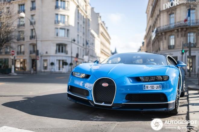 Còn đây là chiếc Bugatti Chiron Sport đầu tiên lăn bánh trên thế giới