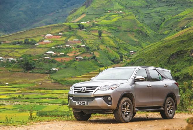 Toyota Fortuner bán chạy trở lại sau khi việc thông quan trở nên dễ dàng