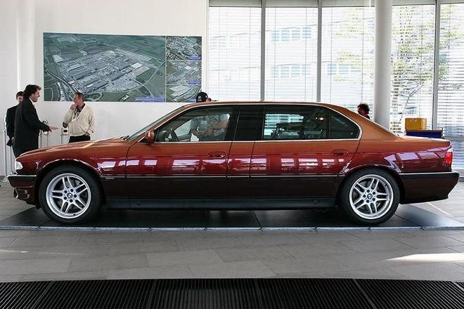 Cột B của xe rất rộng, giúp tăng chiều dài cơ sở cũng như không gian bên trong xe