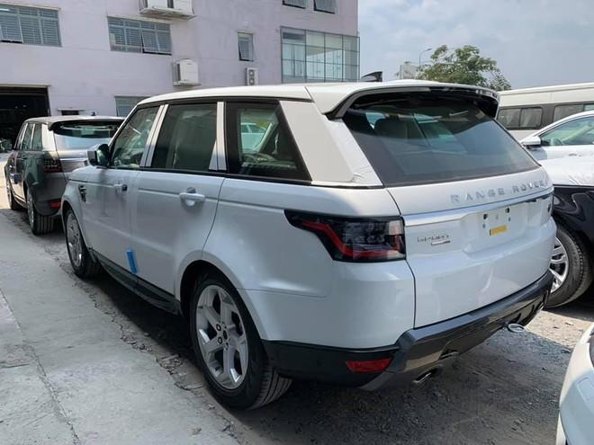 Range Rover Sport 2019 có giá khởi điểm 4,7 tỷ đồng tại Việt Nam