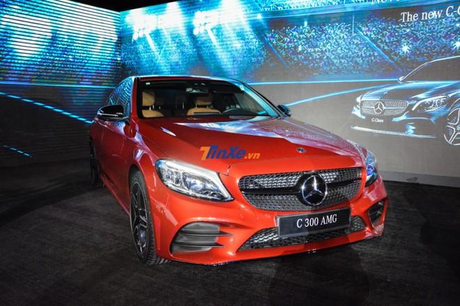 Và cuối cùng làMercedes-Benz C300 AMG 2019 1,897 tỷ đồng