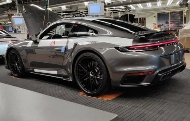 Hình ảnh rò rỉ của mẫuPorsche 911 Turbo 2020
