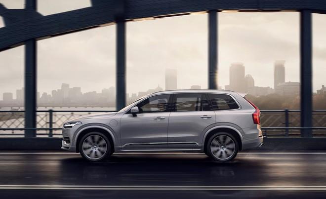 Volvo XC90 2020 thêm an toàn với những công nghệ trợ lái mới