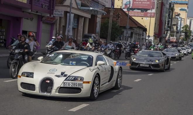 Bugatti Veyron, siêu xe nhanh nhất Việt Nam và có giá hơn 42 tỷ đồng đang thuộc sở hữu của Chủ tịch Trung Nguyên