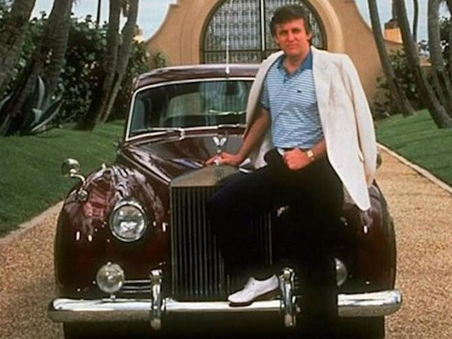 Tổng thống Mỹ Donald Trump thời còn trẻ cùng xe siêu sang Rolls Royce Silver Cloud 1956
