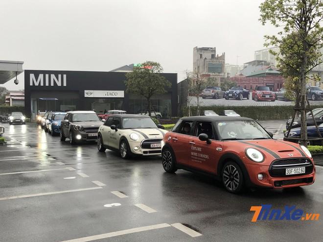 Chuyến đi của những người sử dụng xe MINI sẽ kéo dài từ Hà Nội đến Ninh Bình và thăm thú các địa danh tại đây trong một ngày.