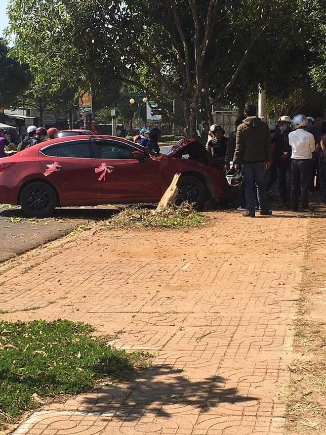 Vụ tai nạn khiến nhiều người hiếu kỳ chú ý
