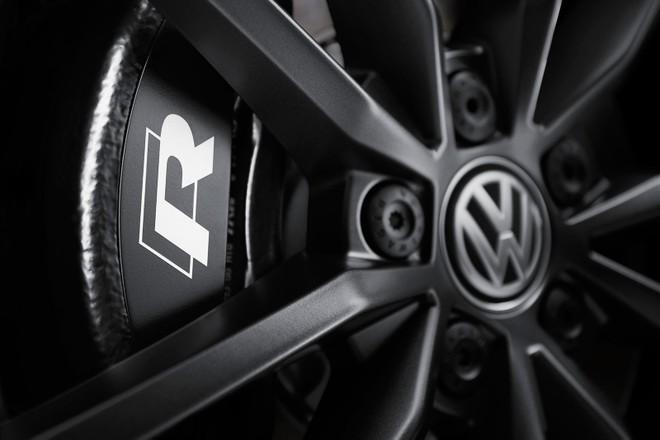 Volkswagen T-Roc R 2020 có phanh 17 inch