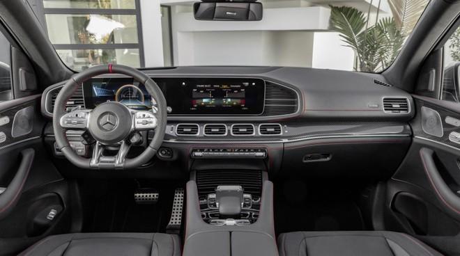 Khoang lái Mercedes-AMG GLE 53 4Matic+