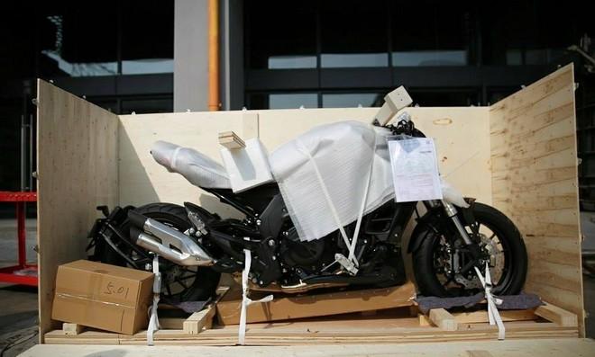 Hình ảnh đập thùng trước đây được cho là tại Việt Nam của chiếc Benelli 502C