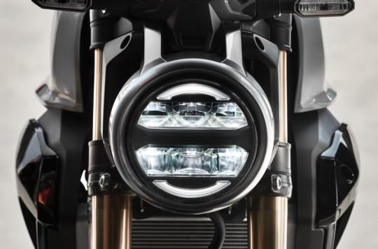 Hệ thống chiếu sáng trên xe ứng dụng công nghệ LED