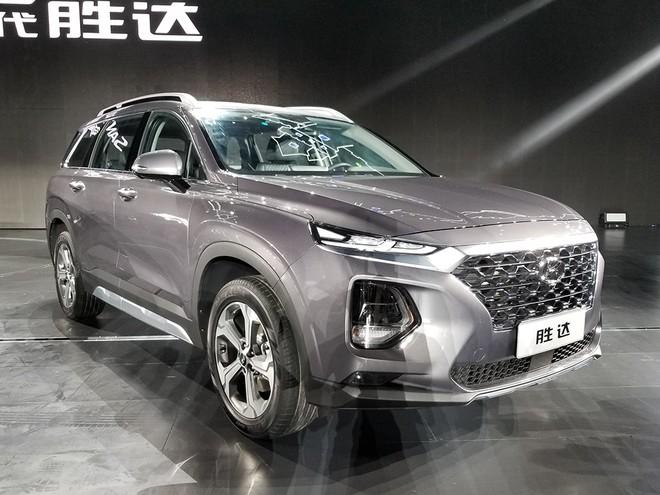 Thiết kế đầu xe của Hyundai Santa Fe 2019 bản Trung Quốc giống ở các thị trường khác