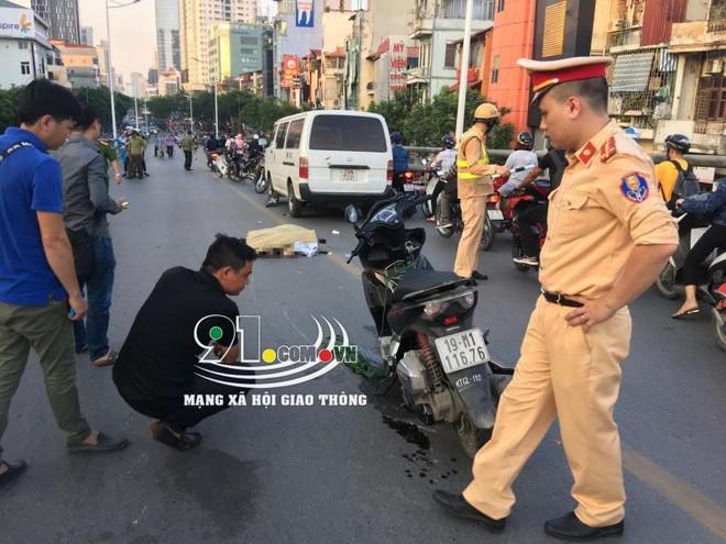 Hiện trường vụ tai nạn khiến nam thanh niên đi xe máy tử vong tại chỗ