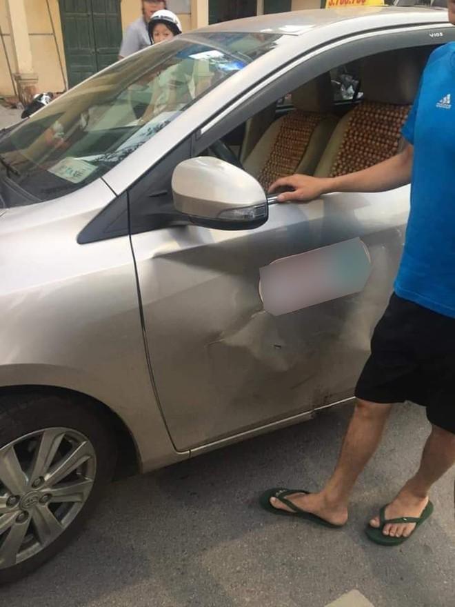 Va chạm cùng Toyota Vios trên đường phố Lạng Sơn
