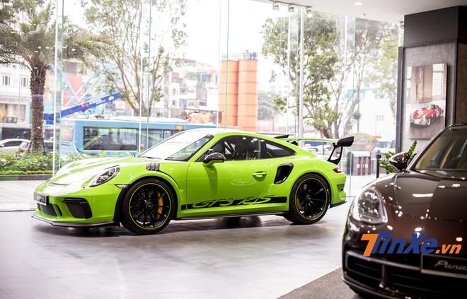 Porsche 911 GT3 RS 2019 với màu xanh Lizard Green cực kỳ độc đáo.