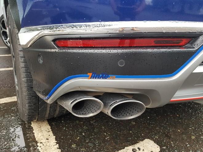Lamborghini Urus được trang bị động cơ xăng V8