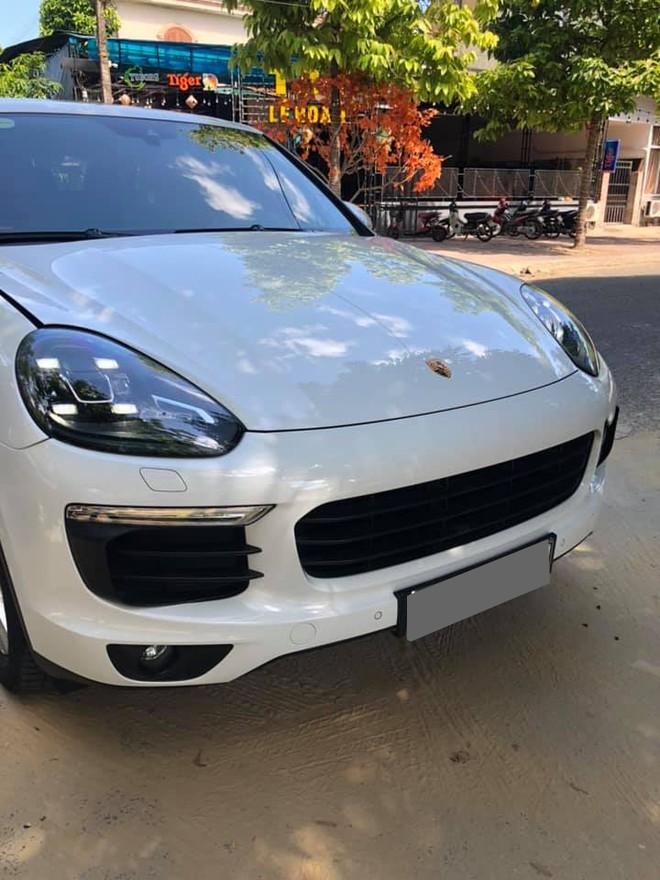 Porsche Cayenne hiện có giá bán thấp nhất 4,54 tỷ đồng cho bản tiêu chuẩn