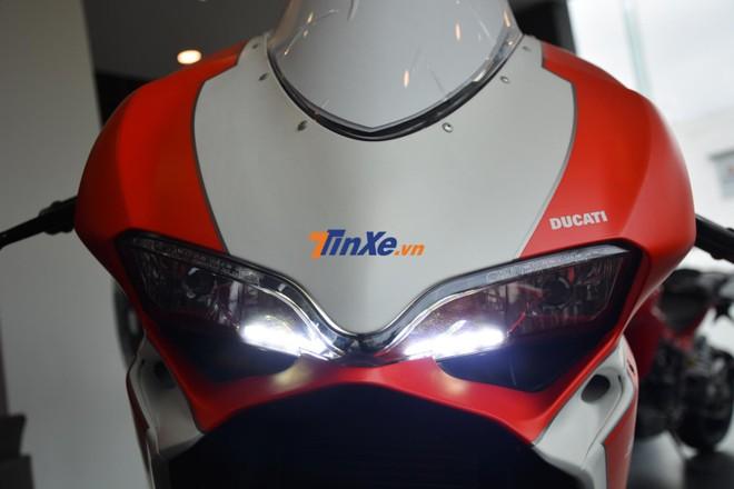 Dải đèn LED trên Ducati 959 Panigale Corse