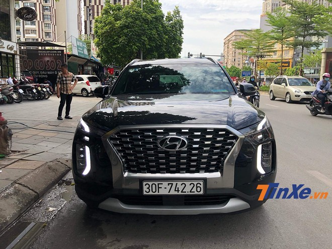 Hyundai Palisade 2020 bất ngờ xuất hiện tại Hà Nội cùng biển số trắng.