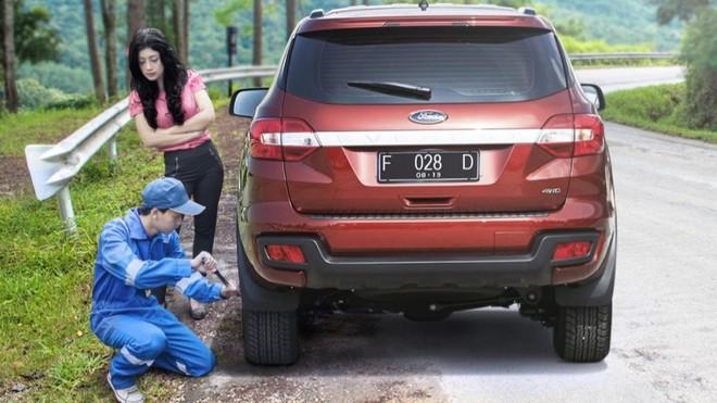 Ford Roadside Assistance - dịch vụ hỗ trợ những khách hàng đang sử dụng xe Ford trong những tình huống bất ngờ trên đường.