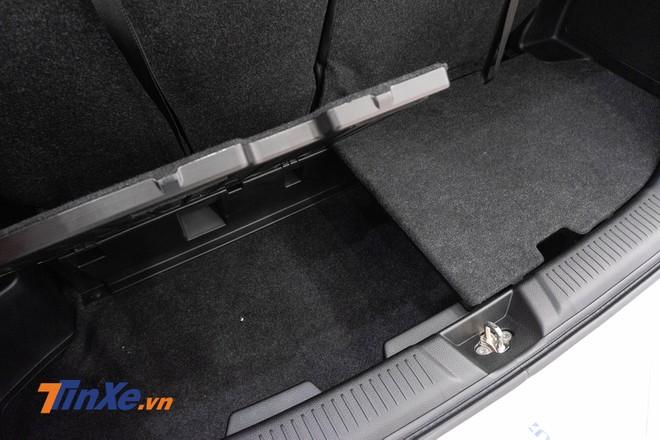 Khoang hành lý 2 tầng của Suzuki Ertiga 2019