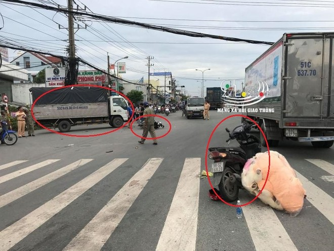 Hiện trường vụ tai nạn giữa 2 chiếc xe máy và 1 ô tô tải