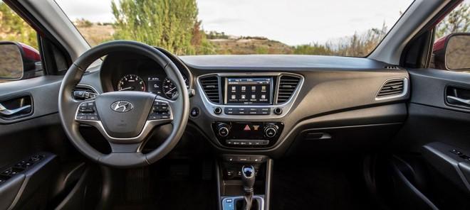Nội thất bên trong Hyundai Accent 2020