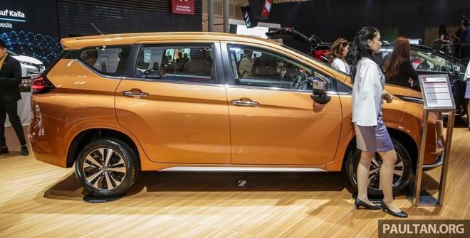 Nissan Livina 2019 được trang bị bộ vành hợp kim 16 inch phối 2 màu thể thao