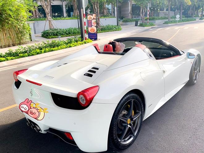 Đây là chiếc siêu xe mui trần Ferrari 458 Spider thứ 2 tại Việt Nam