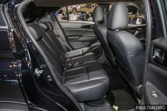 Bên trong Mitsubishi Eclipse Cross là nội thất 5 chỗ